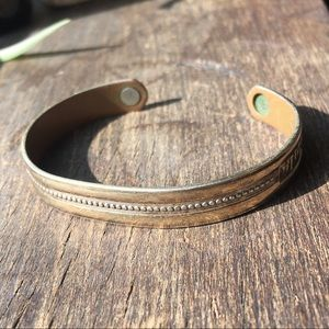 Thin Adjustable Cuff